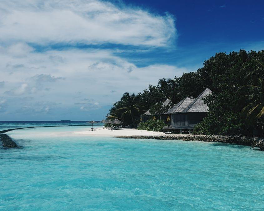villaggio turistico in mezzo al mare